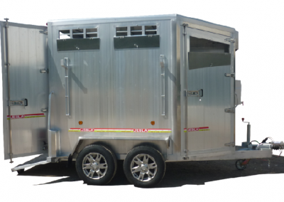 Trailer two aluminum model horses B2