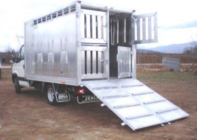 Carrocería ganadera con doble piso