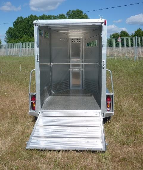 Remolque ganadero aluminio laminado punta techo modelo f2 - Piso porta 2000 ...