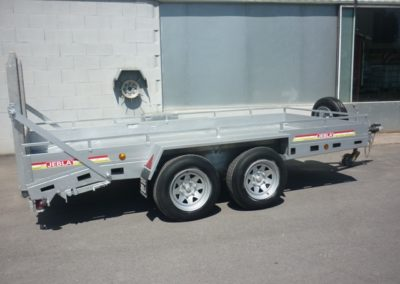 Flatbed trailer carries equipment occasion